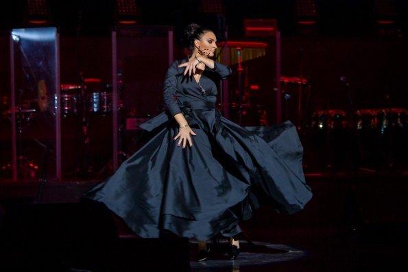 В РПЦ осудили певицу Елену Ваенгу за исполнение песни Михаила Круга в образе монаха