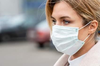 Эпидемиолог Минздрава заявил о необходимости сохранения масочного режима