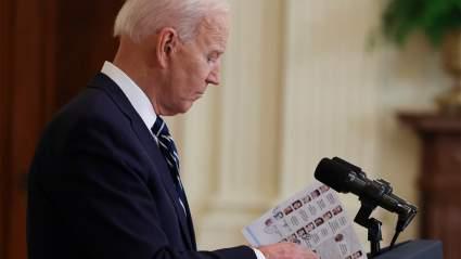 Байден использовал шпаргалки с темами выступления и именами журналистов на пресс-конференции