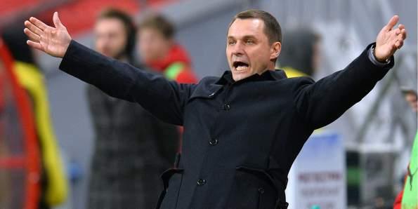 Тренер Андрей Кобелев заявил, что женщинам не место в футболе