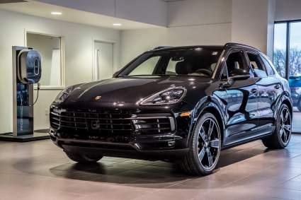 Porsche заплатит каждому сотруднику премию в 7850 евро