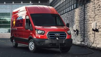 Компания Ford запустит в России серийное производство электрогрузовиков в следующем году