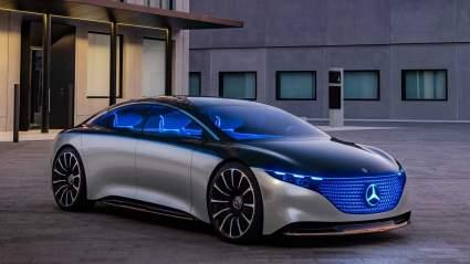 Mercedes-Benz показал салон нового электрокара EQS