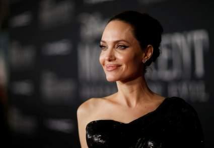 Анджелина Джоли оказалась на грани банкротства из-за развода
