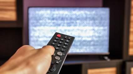 Алексей Чепа назвал закрытие телеканалов на Украине ударом по демократии