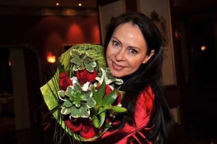 Певица Марина Хлебникова появилась в ток-шоу после слухов об алкоголизме