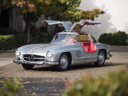 Реплику Mercedes-Benz 300SL 1950-х годов продадут на аукционе