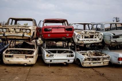 """Эксперты """"За рулём"""" рассказали, как пересадить владельцев автохлама на новые машины"""