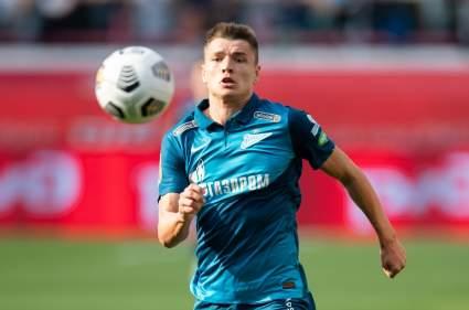 «Зенит» продлил контракт с полузащитником Андреем Мостовым