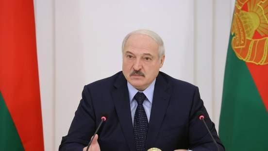 Лукашенко заявил, что Евросоюз и США не помогли Беларуси в борьбе с ковидом
