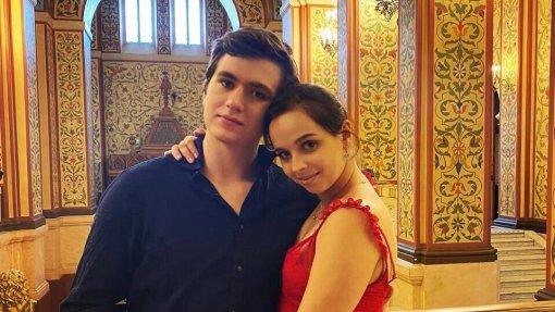 Фигуристы Бетина Попова и Денис Ходыкин сообщили, что сыграли свадьбу в августе 2020 года