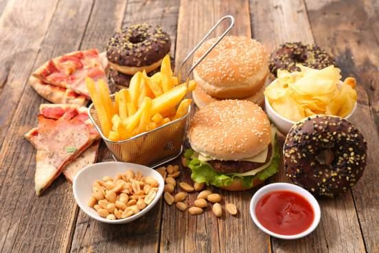Врач-диетолог Светлана Титова назвала вредные продукты, способные приблизить рак