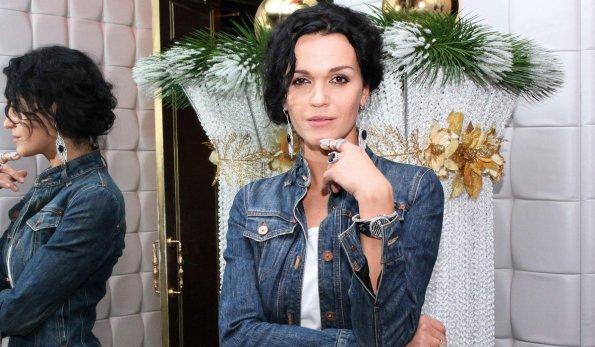 Певица Слава прокомментировала ситуацию с плохо проведенной операцией Елисея