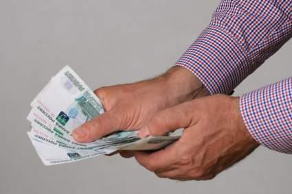 Жители России перечислили профессии с несправедливо низкой оплатой труда