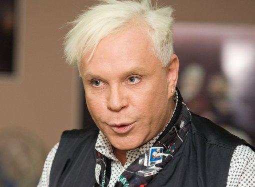 Перенесший инсульт певец Борис Моисеев впервые появился на публике после долгого отсутствия