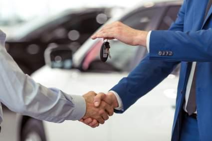 Водителям России посоветовали поспешить с покупкой авто из-за ожидаемого повышения цен