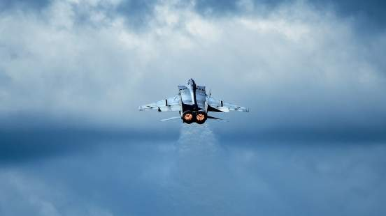 МиГ-31 перехватил патруль из Норвегии над российской акваторией