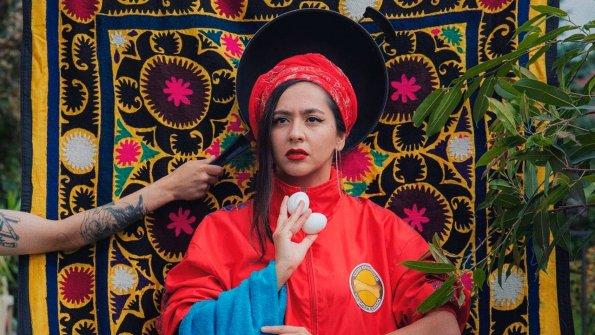 """Участница """"Евровидения-2021"""" Manizha подаст в суд на заявивший о её связях с Кремлем журнал Wonderzine"""