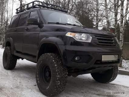 УАЗ продемонстрировал самодельный автодом на базе внедорожника «Патриот»