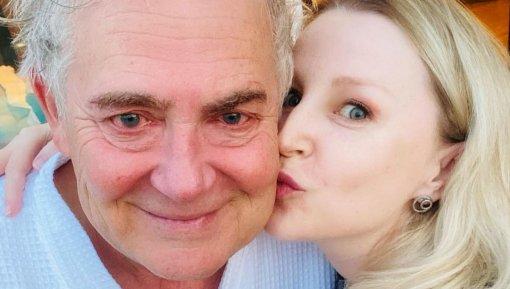 Актриса Ольга Медынич показала фото с Юрием Стояновым с красными глазами