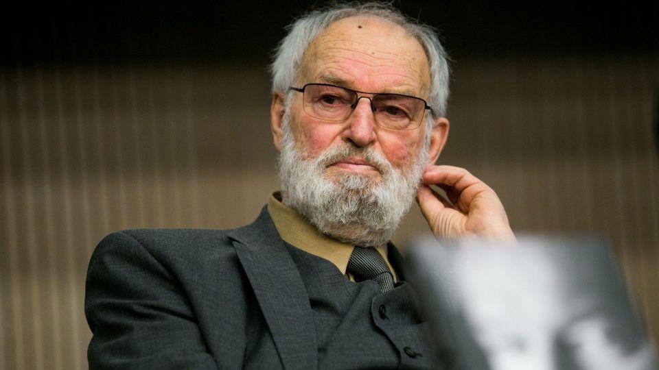 Регимантас Адомайтис признался, что болеет онкологией