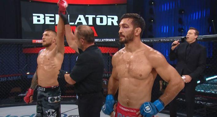 Амосов победил Сторли на турнире Bellator и продлил победную серию до 25 боёв