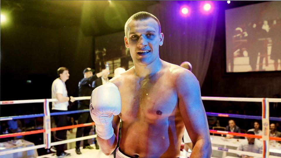 Максим Власов проведет бой за титул WBO против Джо Смита