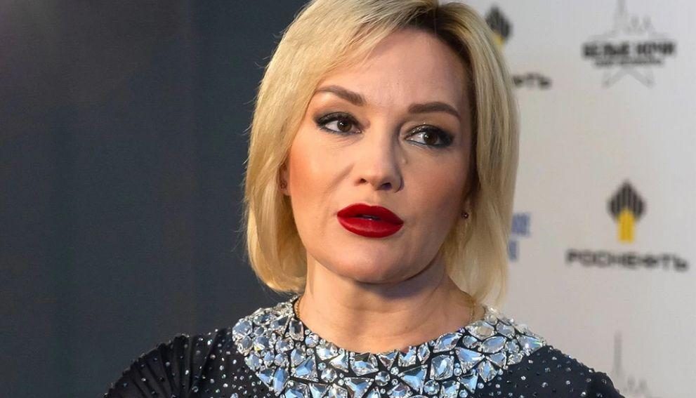 Буланова назвала бессмысленным призыв Меладзе бойкотировать новогодние программы