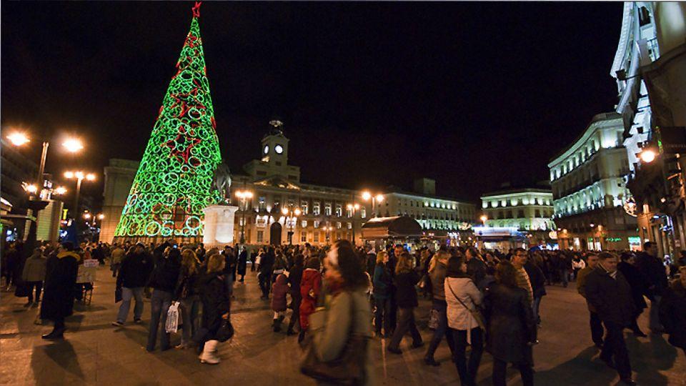 В Испании разработали правила празднования Рождества и Нового года во время коронавируса