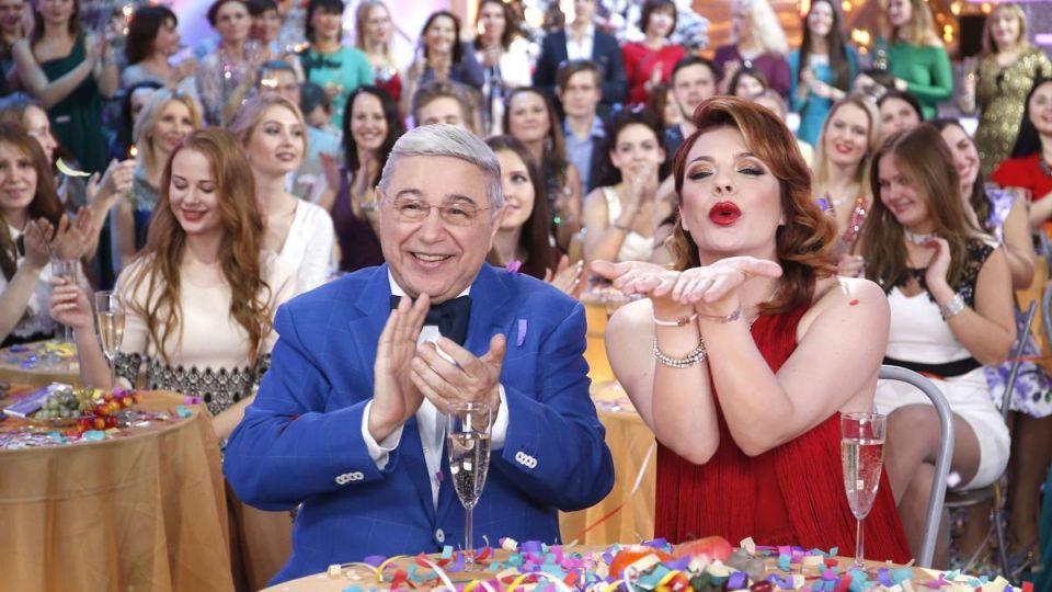 Лишь 12 % россиян планируют смотреть 31 декабря новогодние шоу