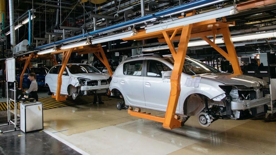 «АвтоВАЗ» повысил цены на автомобили в пятый раз за год