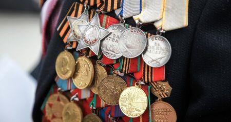 В размере 10 тысяч рублей: в России предложили назначить ветеранам выплаты к Новому году