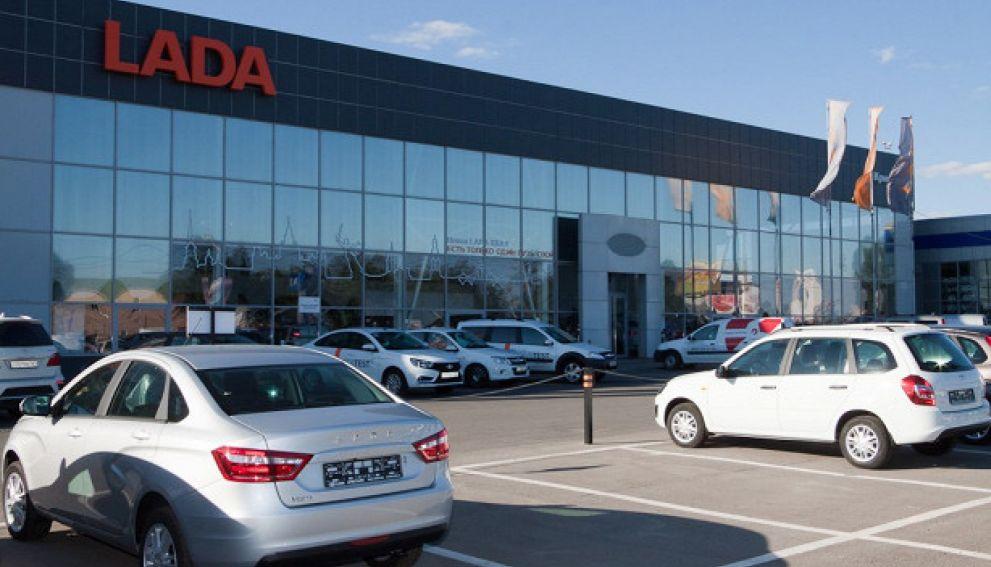Новые автомобили в России в 2021 году могут подорожать на 10%