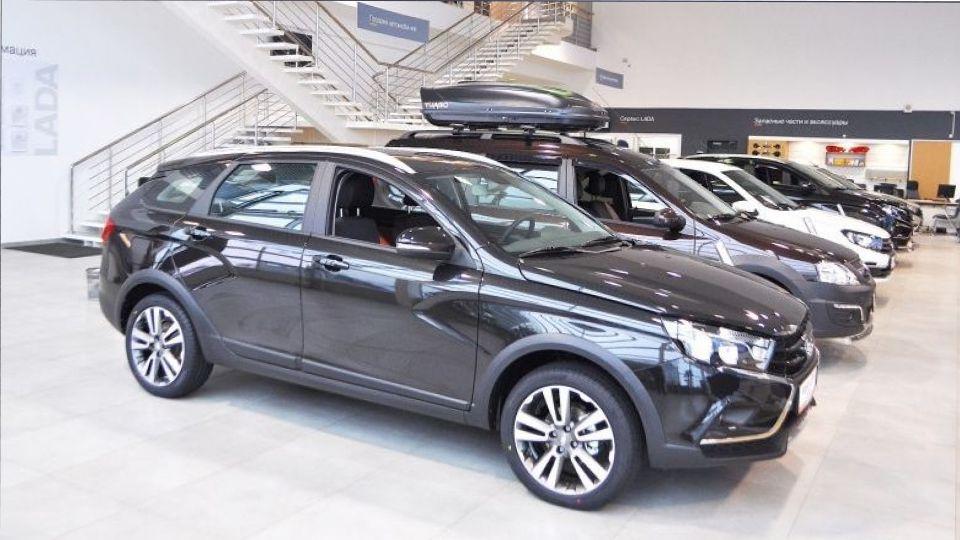 Продажи автомобилей в Петербурге выросли на рекордные 13% в октябре