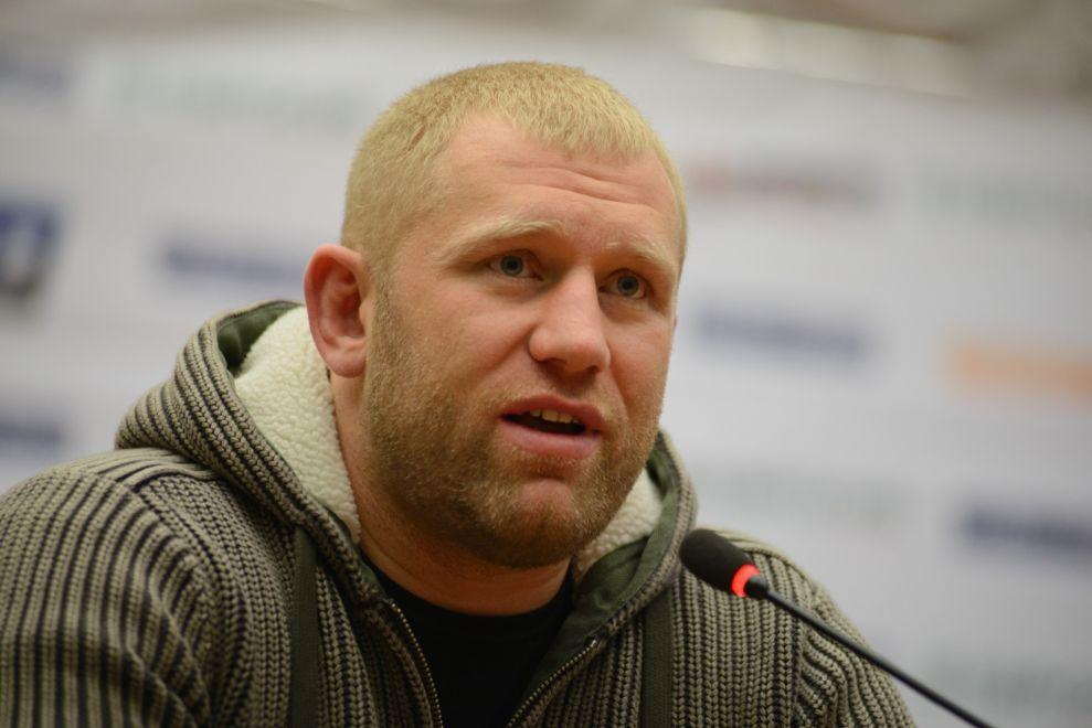Харитонов выразил готовность подраться с Яндиевым в клетке