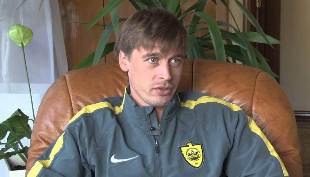 Российский защитник Айдов пожизненно отстранен от футбола за участие в договорных матчах