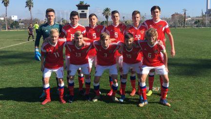 13 человек заразились коронавирусом в юношеской сборной России по футболу