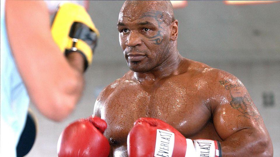 Майк Тайсон заработает 10 миллионов долларов за бой с Джонсом