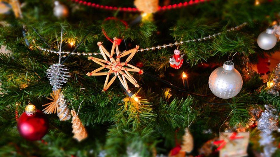 В Симферополе в школах запретят массовые новогодние праздники