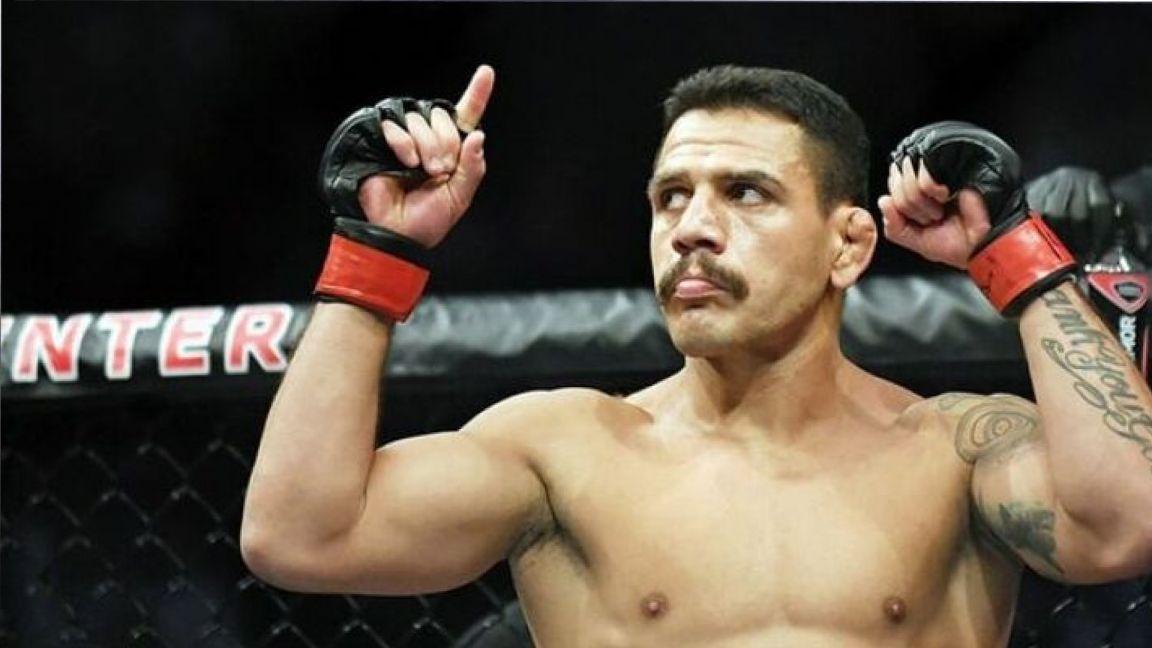 Дос Аньос победил заменившего Махачева Фелдера на турнире UFC в Лас-Вегасе
