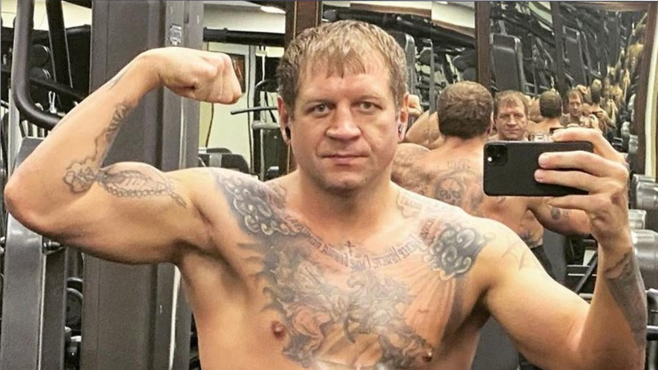 Александр Емельяненко может провести бой с другом Магомеда Исмаилова