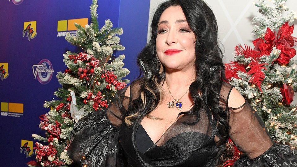 Лолита выступила против призыва Меладзе бойкотировать новогодние шоу