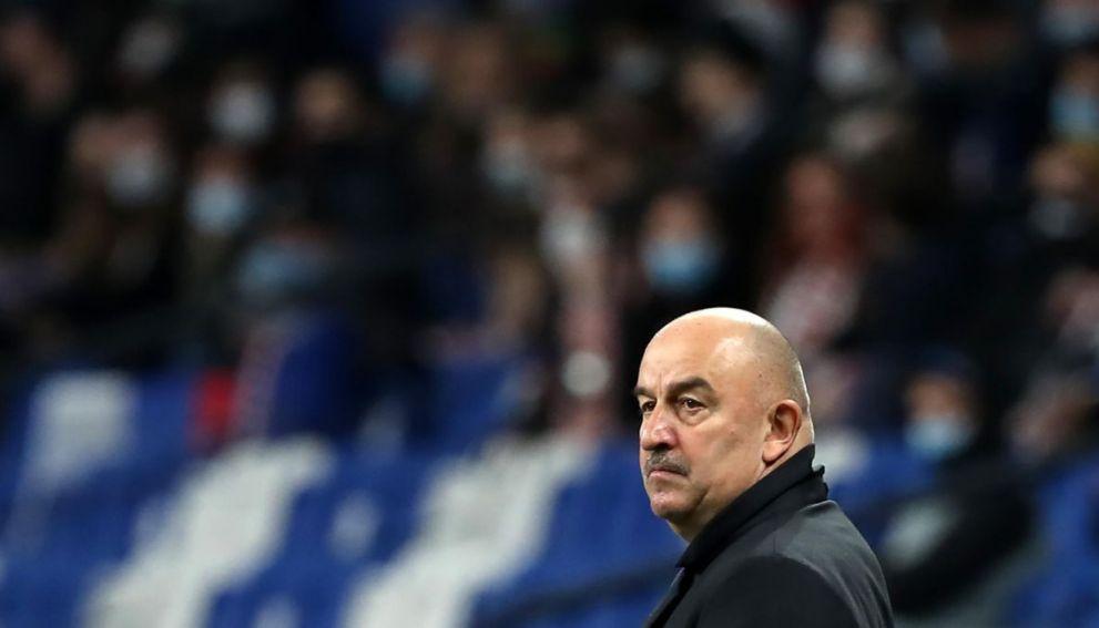 Черчесов попросил УЕФА не наказывать фанатов ЦСКА за оскорбительные кричалки в свой адрес