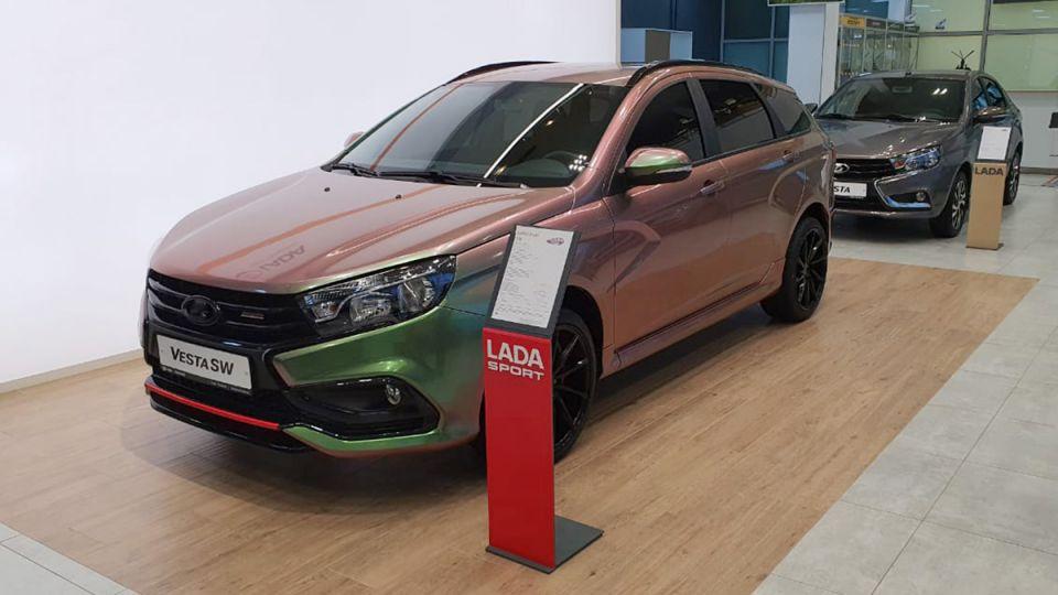 Дилер Lada продает универсал Vesta за немыслимые деньги