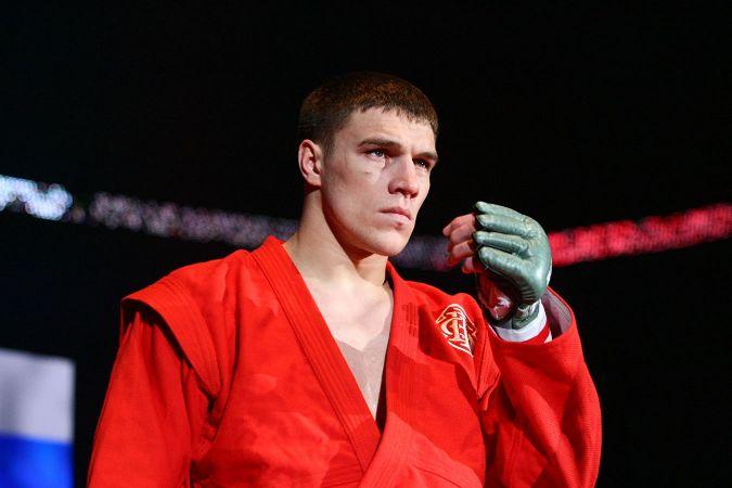 Чемпион Bellator Немков проведет бой с Дэвисом в начале 2021 года