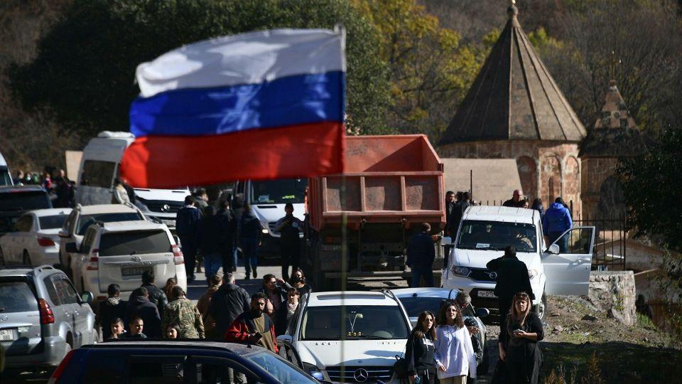 Политолог объяснил, зачем Нагорному Карабаху российские миротворцы