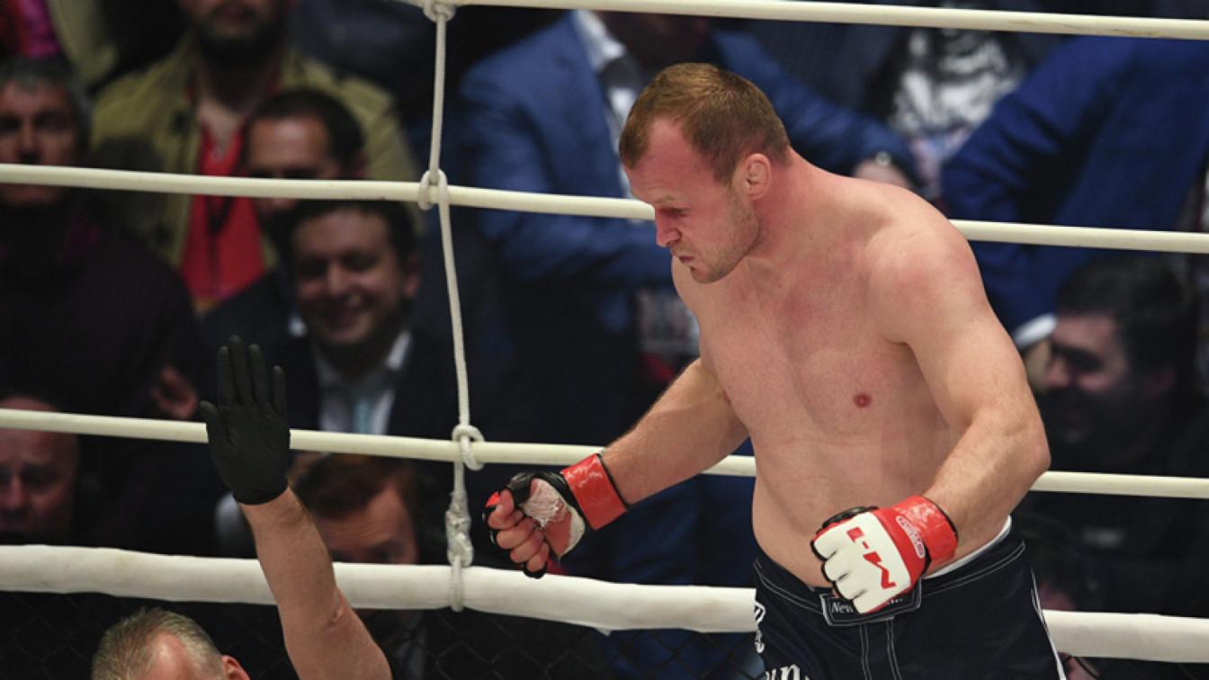 Шлеменко заявил, что Махачёв имеет рычаги давления на главу UFC