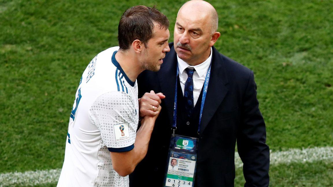 Жириновский считает, что футболисты сборной России мстили тренеру за Дзюбу
