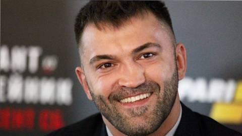 Боец UFC Орловский признался, что ставил деньги на себя. Он выиграл тот бой