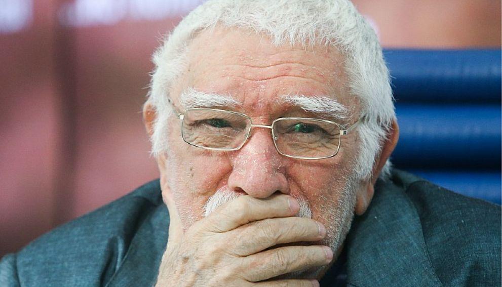 Бедрос Киркоров расплакался на прощании с Арменом Джигарханяном